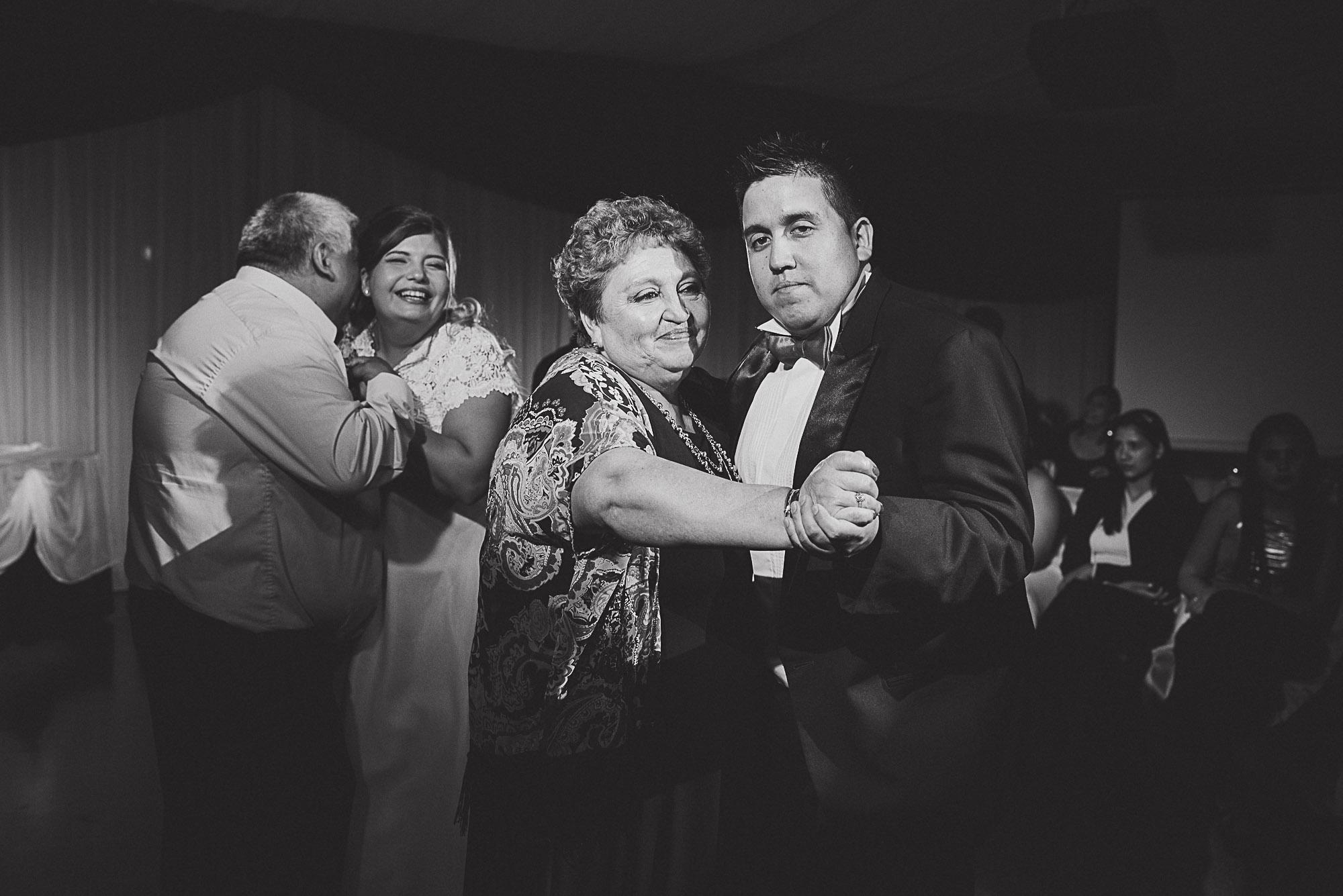 boda-vero-raul-patagonia-argentina-chilena-fotografo-de-bodas-argentina-casamiento-en-patagonia-gabriel-roa-photography-25