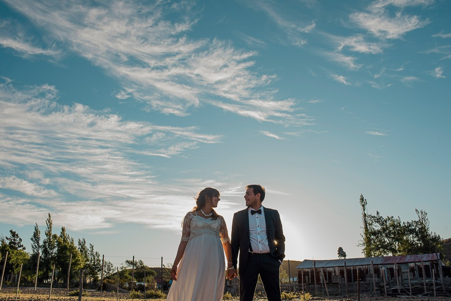 post-boda-trash-the-dress-marifer-y-felix-fotografia-de-bodas-en-patagonia-gabriel-roa-photography-10