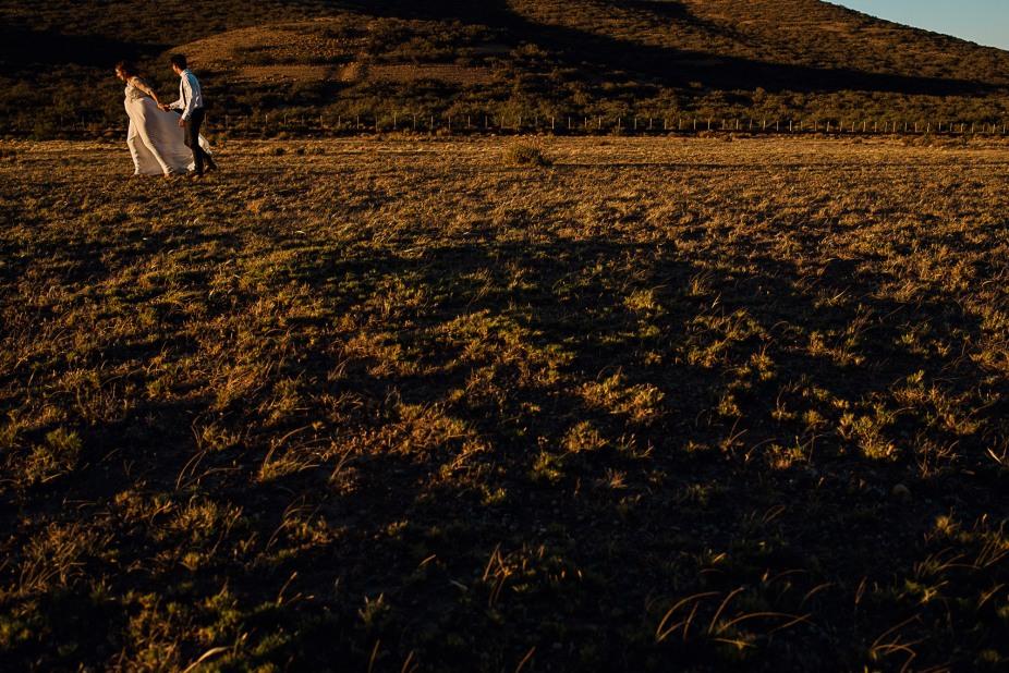 post-boda-trash-the-dress-marifer-y-felix-fotografia-de-bodas-en-patagonia-gabriel-roa-photography-17